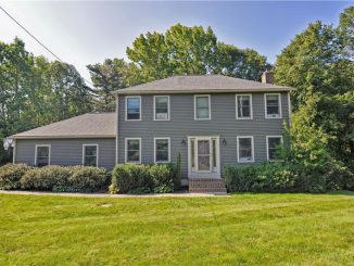 4 Woodchester Rd, Franklin, MA 02038