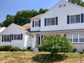 9 Crab Apple Lane, Franklin, MA 02038