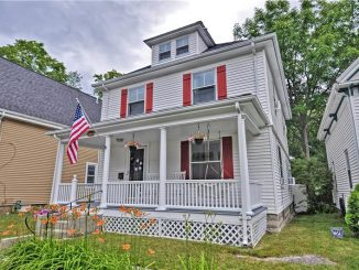 36 Dale St, Franklin, MA 02038